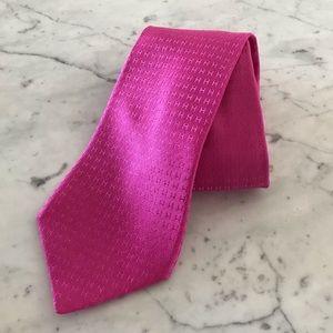 Hermès Tie Faconnee H Pink H silk Tie.